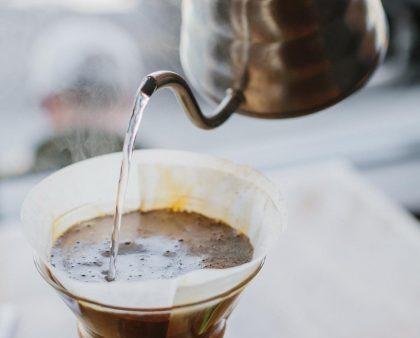 Готовим кофе в кемексе